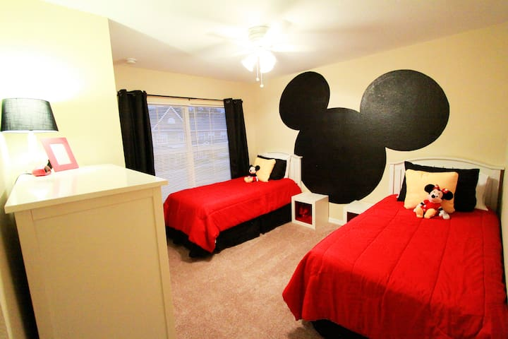 Close to Disney! Immaculate Villa ! Great Resort!