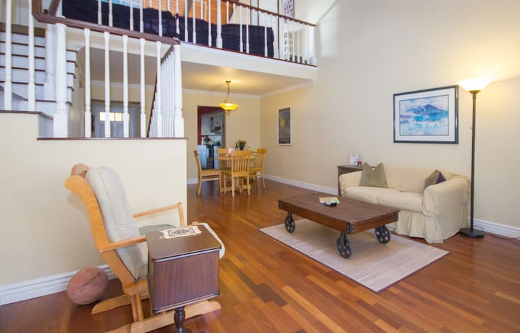 Charming, modern, close to UCSB - Goleta - Casa