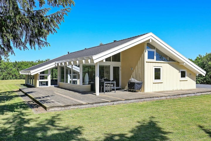 Modern Holiday Home in Lønstrup with Swimming Pool