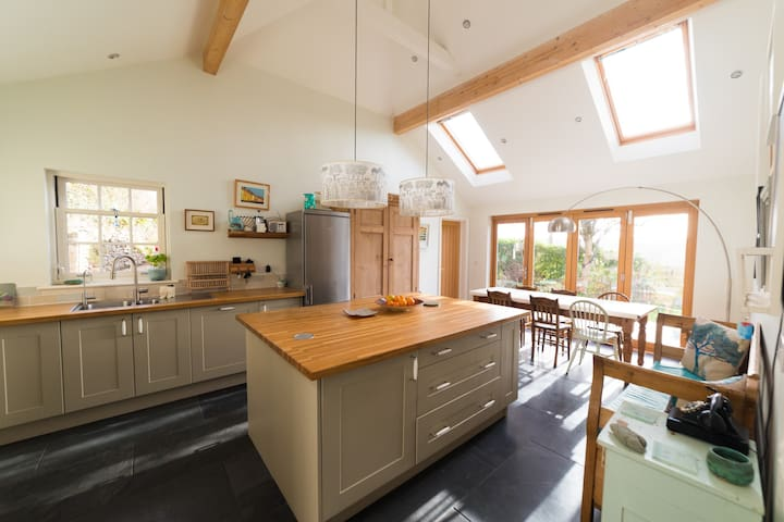 4-5 bed near Porthtowan and St Agnes