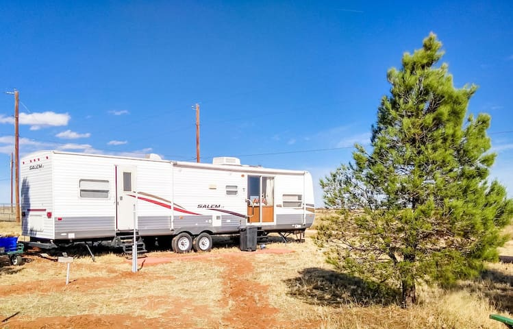 Andrews, TX: 2-Bedroom RV, Quiet, Fully Furnished
