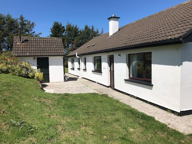 Beautiful, modern 4 bed house with stunning views.