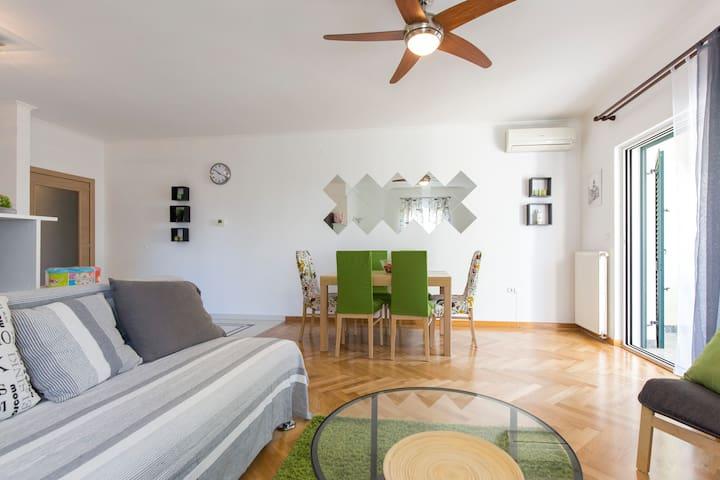 Apartman Santa Lucia Kostrena Rijeka - Kostrena - Apartemen
