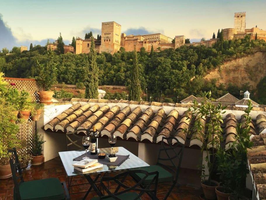 La Tinaja 62. Mirador a la Alhambra con amplia terraza privada
