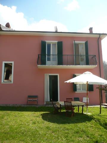 Casa rosa - Bonvicino - House