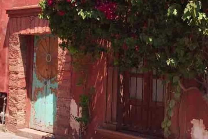Casa antigua en el centro de Queretaro
