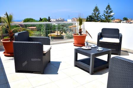 bilocale, terrazza vista mare zona - selinunte - Lägenhet