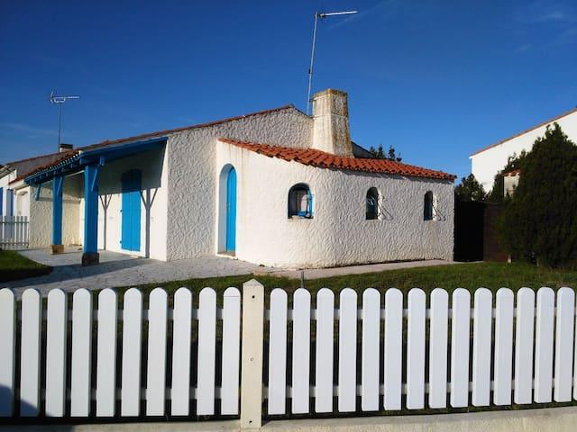 maison dans quartier résidentiel - L'Aiguillon-sur-Mer - Rumah