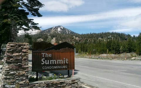 Cozy Summit 1 Bedroom Condo @ Eagle Lodge!