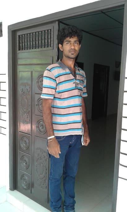 meet Naudrayan your host