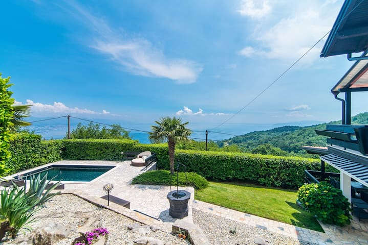 Authentic Villa Zatka with Sea View near Opatija