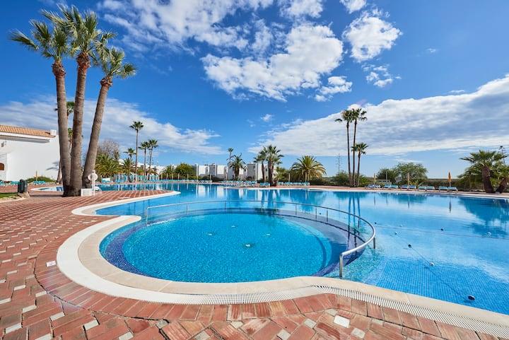 Beautiful Apartment in Seaside Resort (Wi-Fi)