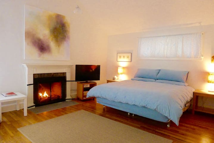 Artists Sag Harbor Village Retreat - Sag Harbor - Apartment