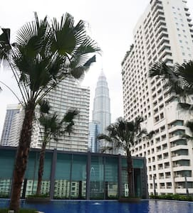 Upscale Room & Breakfast w/ astonishing KLCC view - กัวลาลัมเปอร์