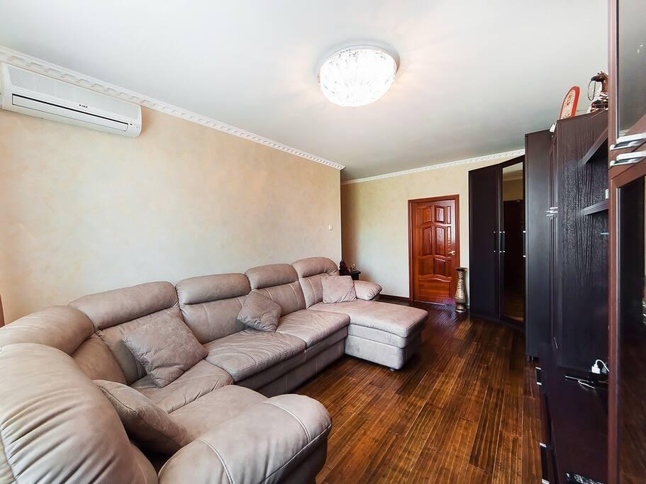 Комната 1 (гостиная)