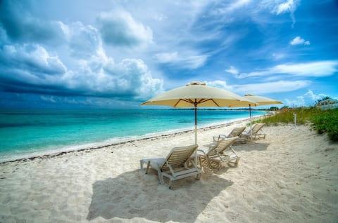 Grace Bay Beach Ocean Villas, Bougainvillea Villa.