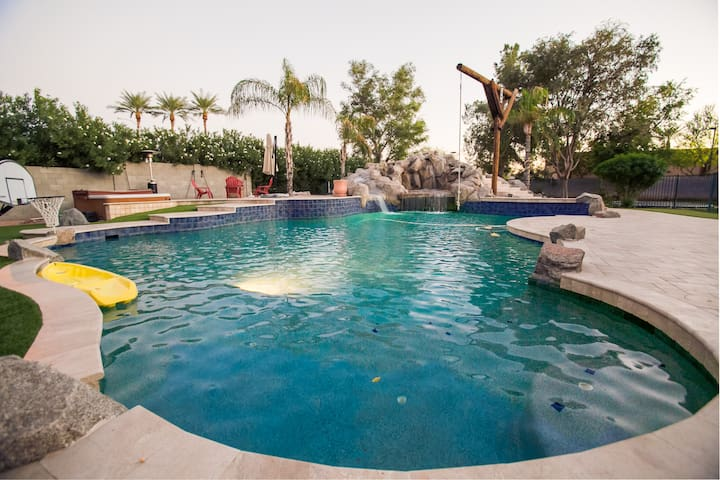Luxury Oasis Vacation Home in Mesa