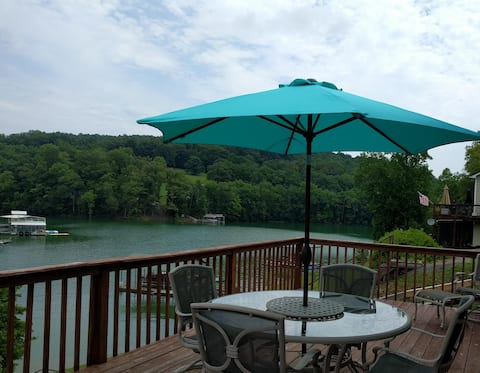 Norris lakefront home with covered boat dock