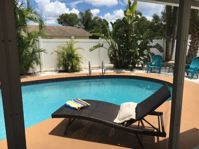 Paradise Retreat - Need We Say More - Bradenton
