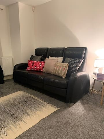 Heywood/Gtr Manchester Apartment sleeping 5 Guests