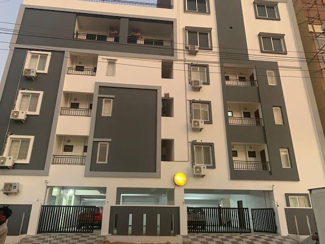 Urban Nest ONE @ Kokapet - Duplex Apt 7 bedrooms