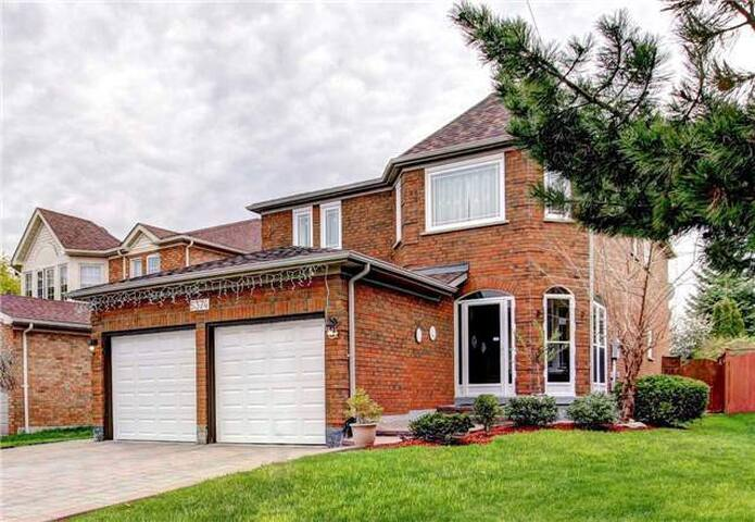 Mississauga Entire House For Rent