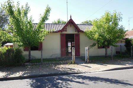 Maison arcachonnaise à Cazaux - Ла-Тест-де-Бюш