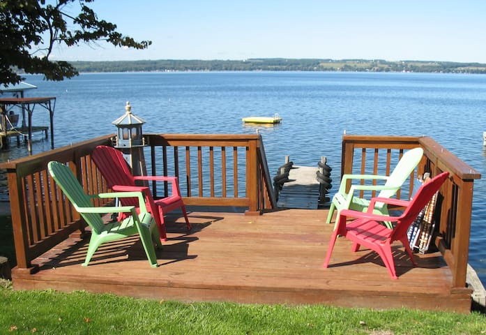 Gorgeous Seneca Lakefront Cottage - Romulus - Haus