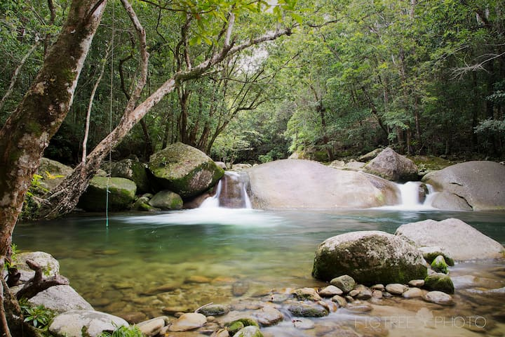 Rainforest retreat near Cairns - Fishery Falls