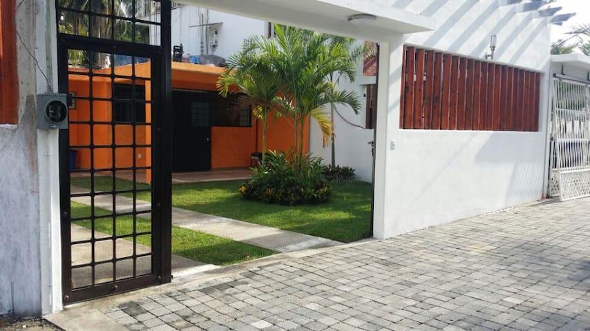 Hermosa casa de playa en Acapulco! - Acapulco - House