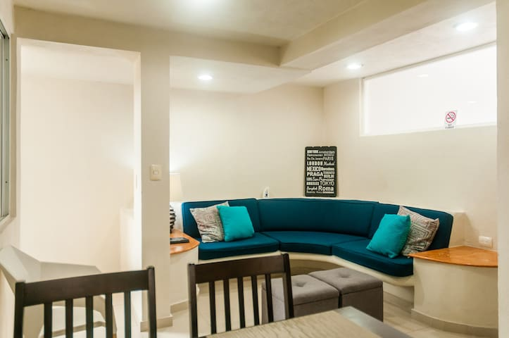 Bonito Apartment in Downtown's Best Location