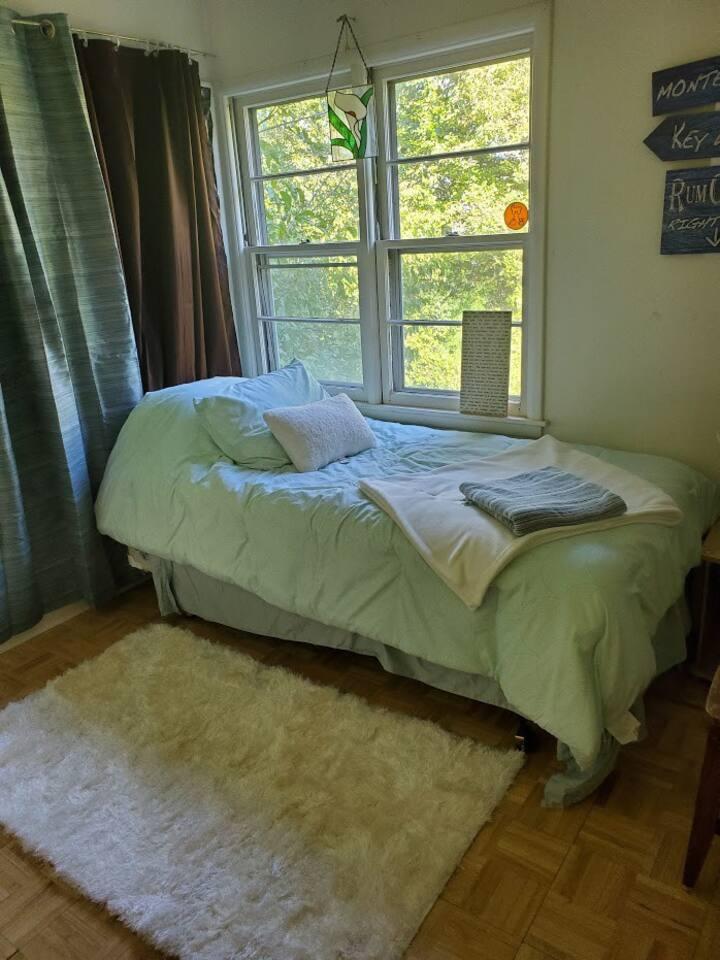 Kalamazoo Oberon room