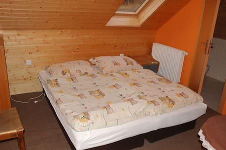 Agroturistika M.M. Orange room - Malá Morávka - Leilighet