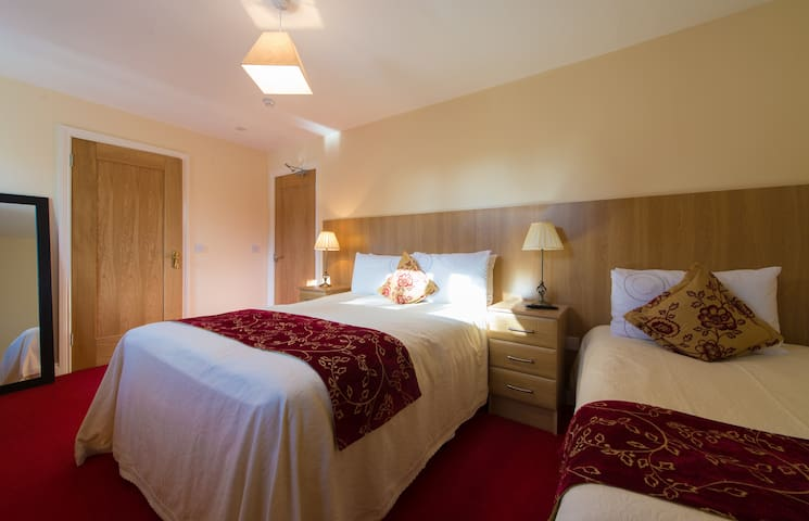 Aisleigh  Guest House - Carrick-On-Shannon - Penzion (B&B)