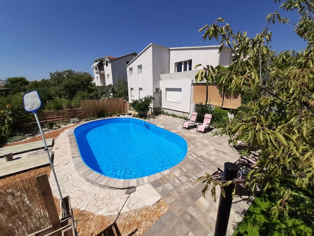 Apartment, sea wiew&garden, swimming pool, privacy
