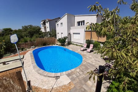 Apartment- sea wiew&garden, swimming pool