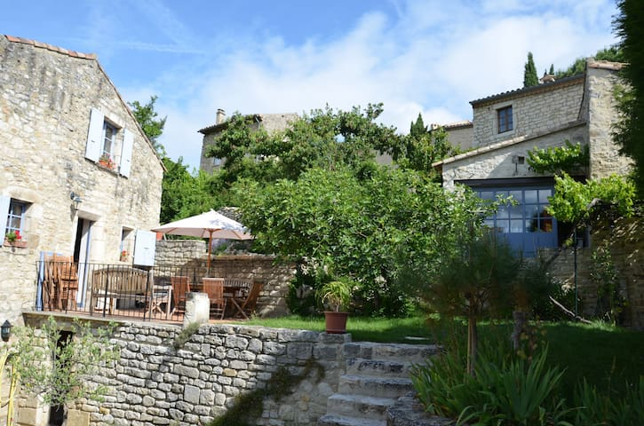 2 maisons de charme avec bassin - Le Poët-Laval - House
