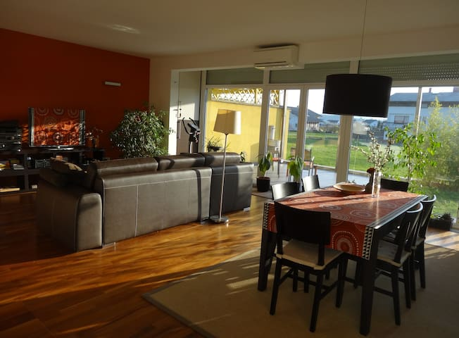Quiet & Comfortable Retreat near Lj - Brezovica pri Ljubljani - Hus