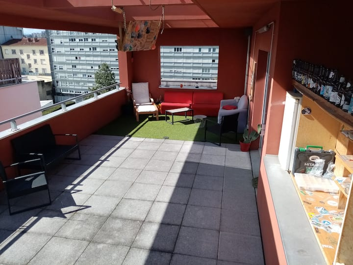 Duplex avec grande terrasse proche de Lyon centre