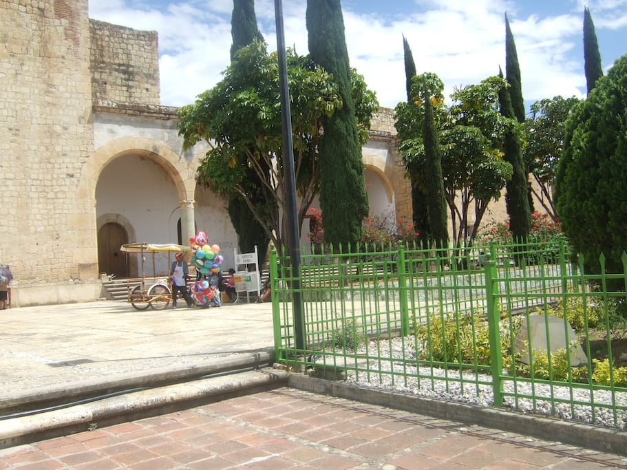 We all togheter visit some colonial towns, and get know more about the Mexican Historic.