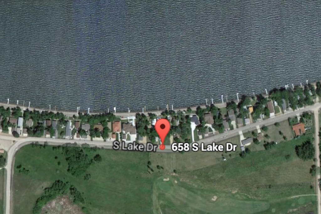 Lake Front and walking distance to Prop and Golf Course
