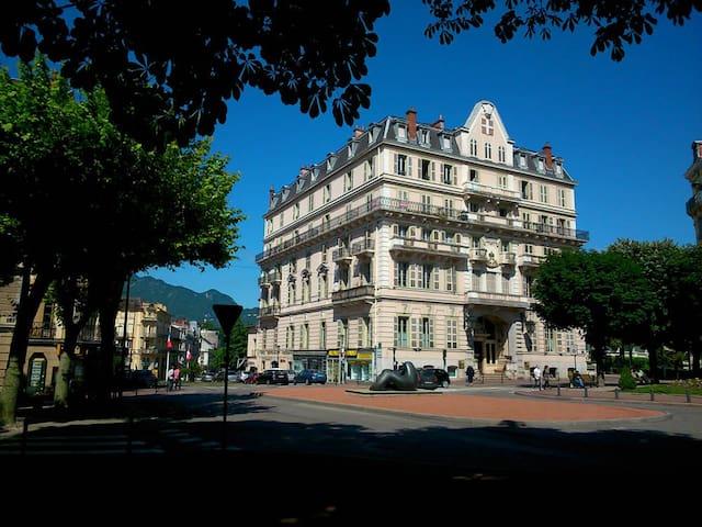 STUDIO IN HAUSMANNIEN  BUILDING - Aix-les-Bains