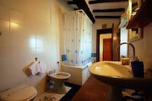 Genuine Tuscan Stone House with Pool