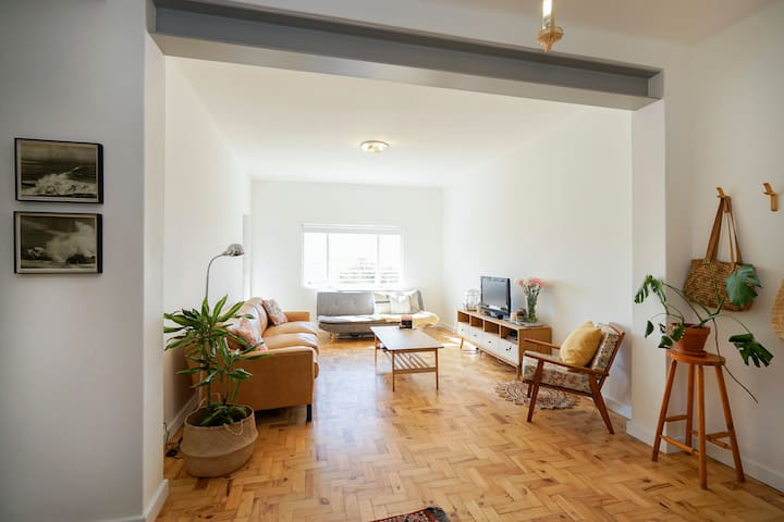 Newly renovated City apartment with garden.