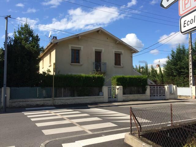 65€,5 pers,3 chambs,7 min piedFoix - Foix - Casa