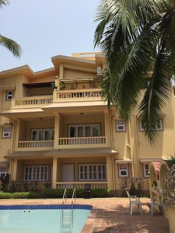 Beautifully styled  Apartment - Candolim Beach
