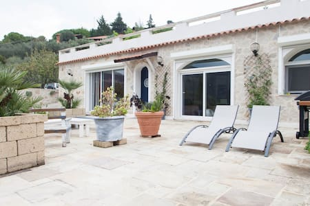 Bordighera,Villa Maria3km from beach AirCON/WIFI - Camporosso - 別荘