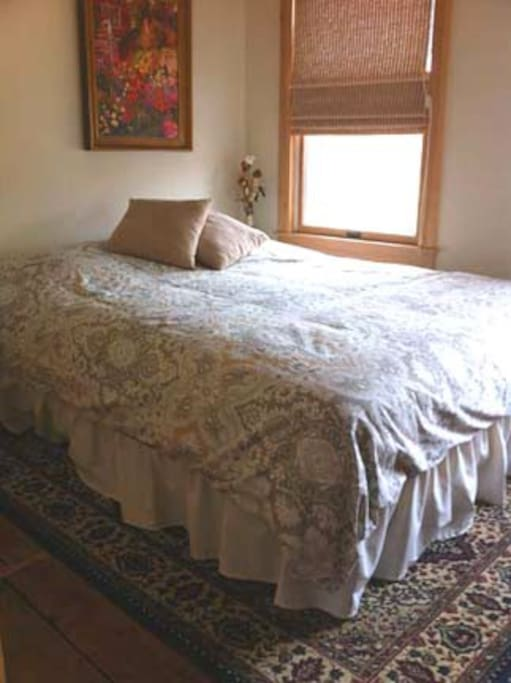 Just purchased luxurious queen beds, 100% Egyptian cotton sheet