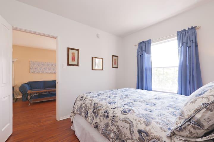 one bedroom in quiet neighborhood