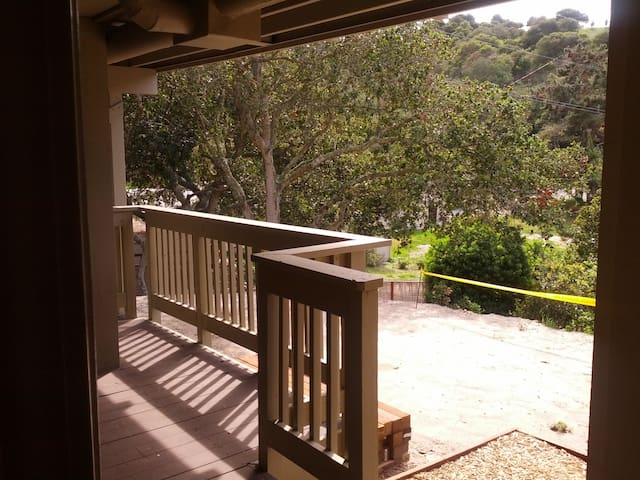 Relaxing Apartment on Wooded Acre  - Monterey-Salinas - Appartement